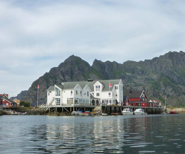 Lofoten Islslands BnB Kayak Experience accommodation Henningsvaer